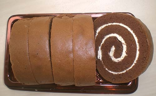 HK_Food_Swiss_Roll_Saint_Honore_Cake